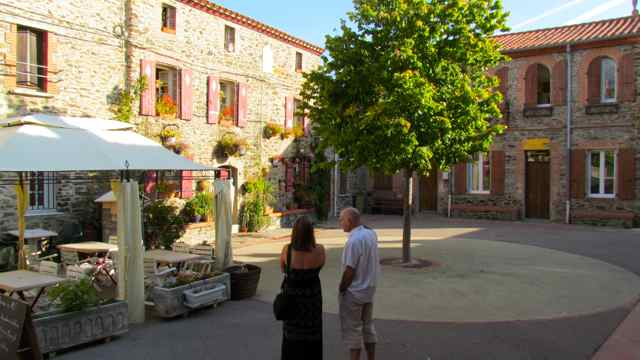 expats search for a new home in southern France
