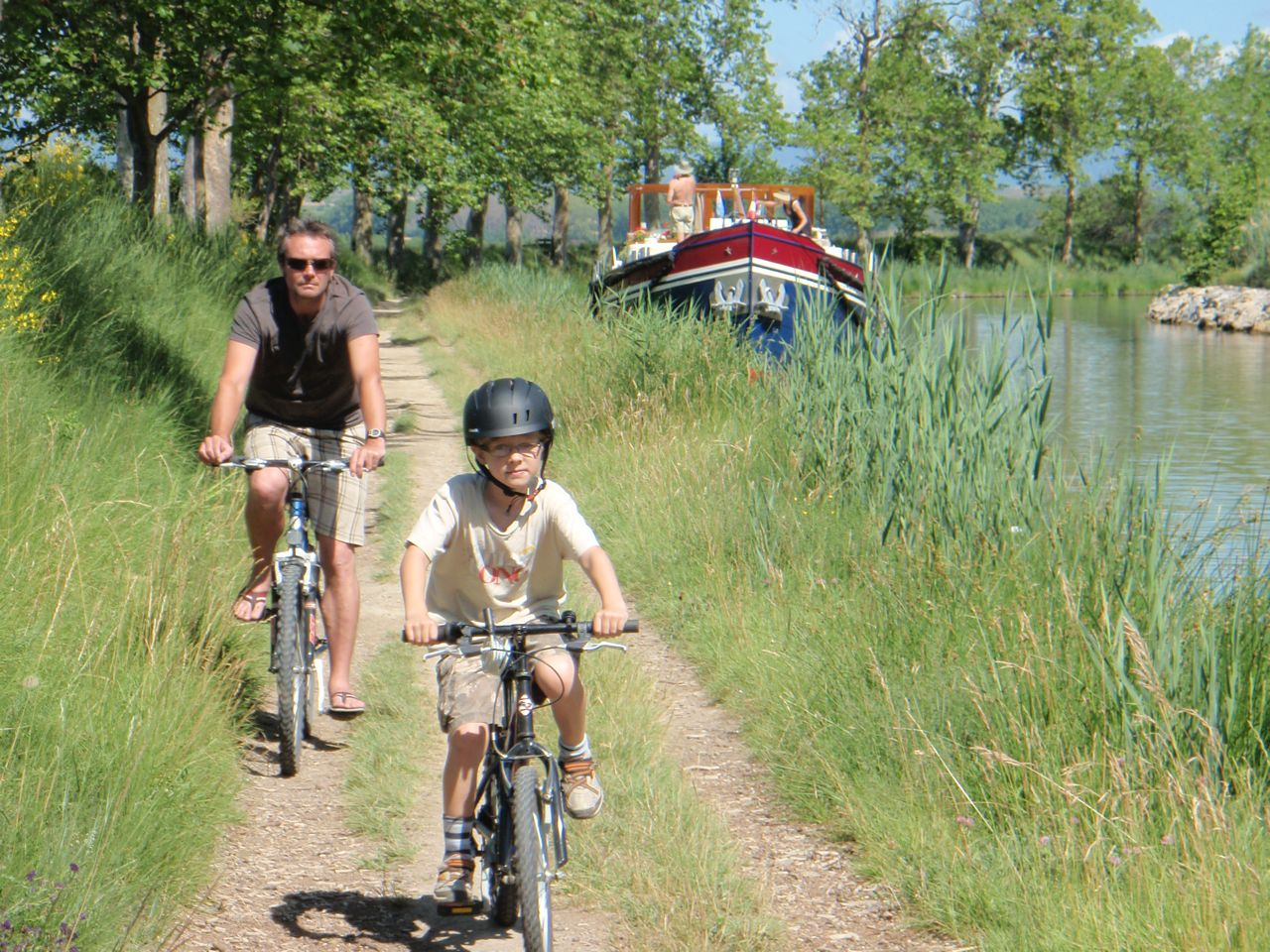 Poilhes route from Capestang along Canal du Midi
