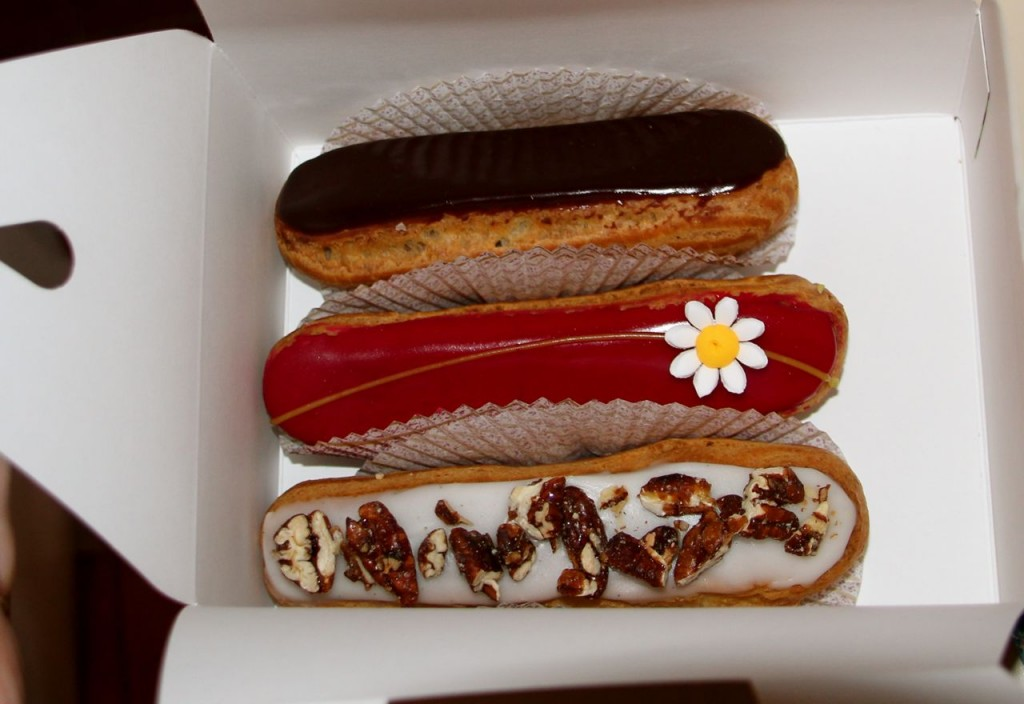 eclairs éclair chocolate eclairs of chocolate éclairs with chocolate ...