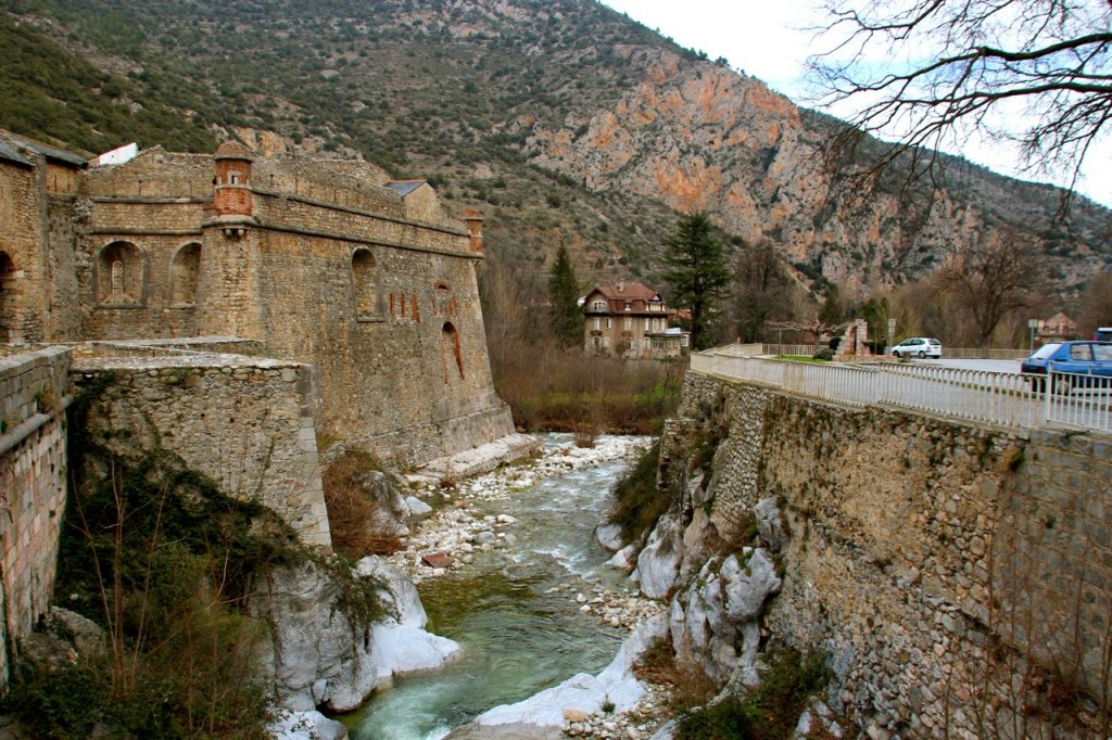 pyrenees fortified city