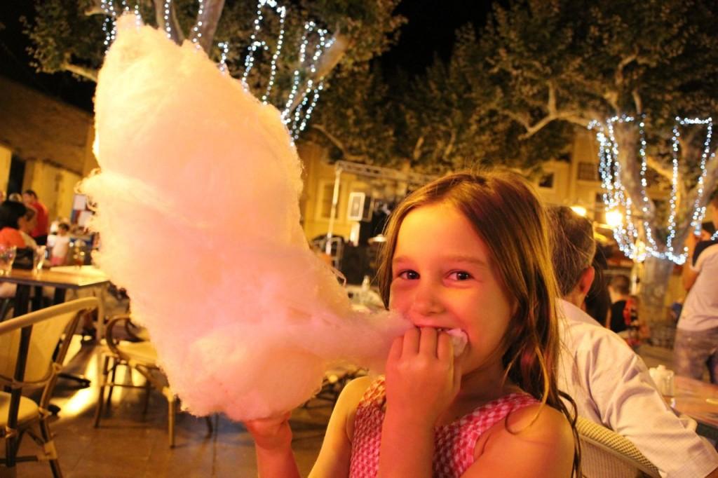 Capestang fete = cotton candy