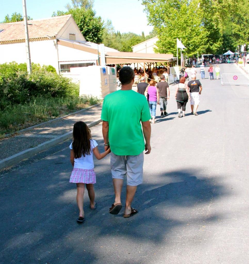 Alfonz & Angelina walk to canal