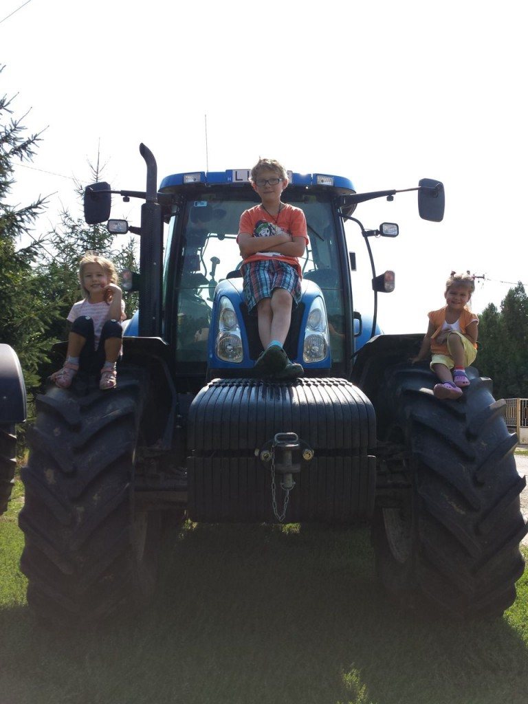 Tractor fun with the cousins