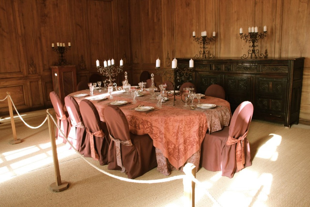 castle diing room