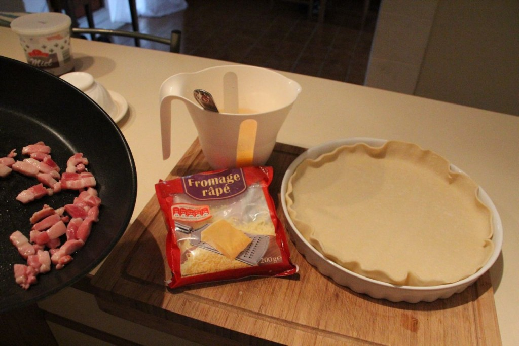 lay out pastry like so, and then pour in filling