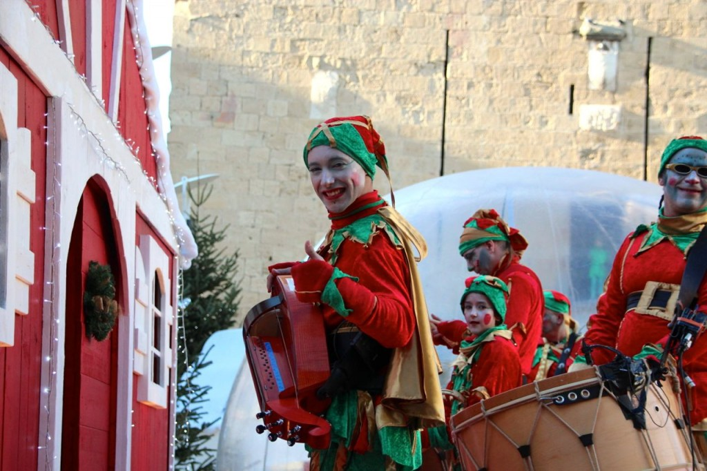 Goulamas'k GOG perform in elf costume for the Christmas markets
