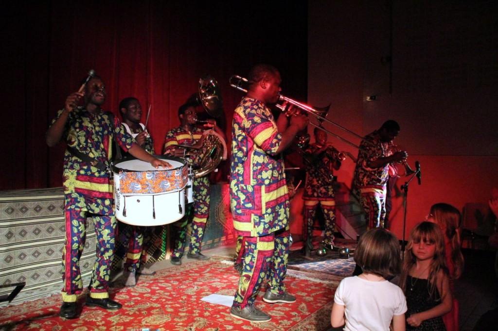 EYO'NLE African Fanfare