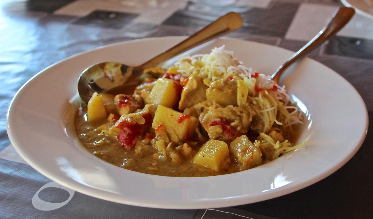 korma curry with lime, potatoes and ginger