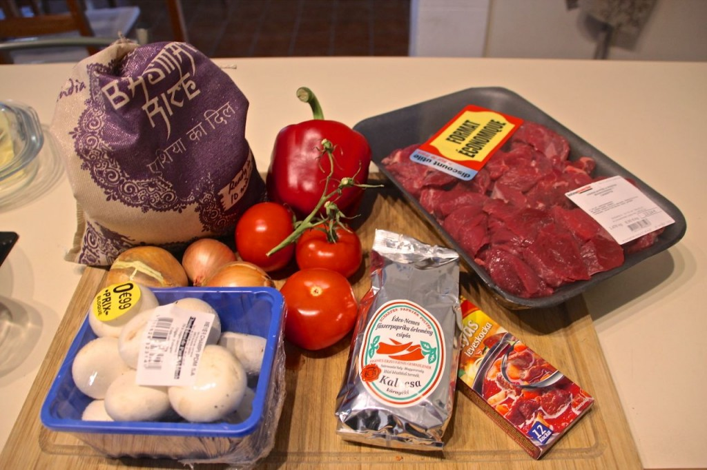 traditional Hungarian beef stew recipe