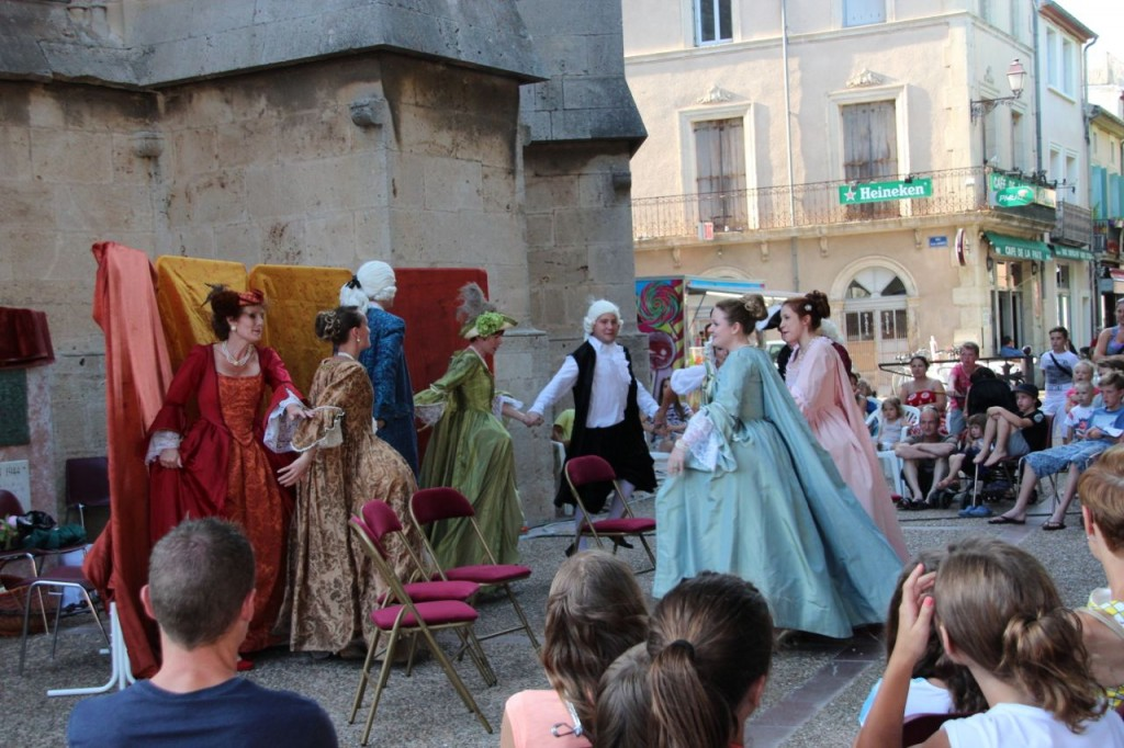 Live theatre for free Capestang for Bastille day