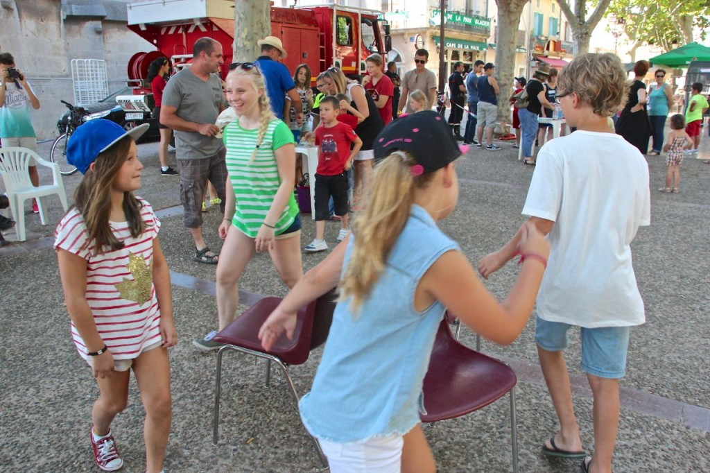 Musical chairs Capestng square