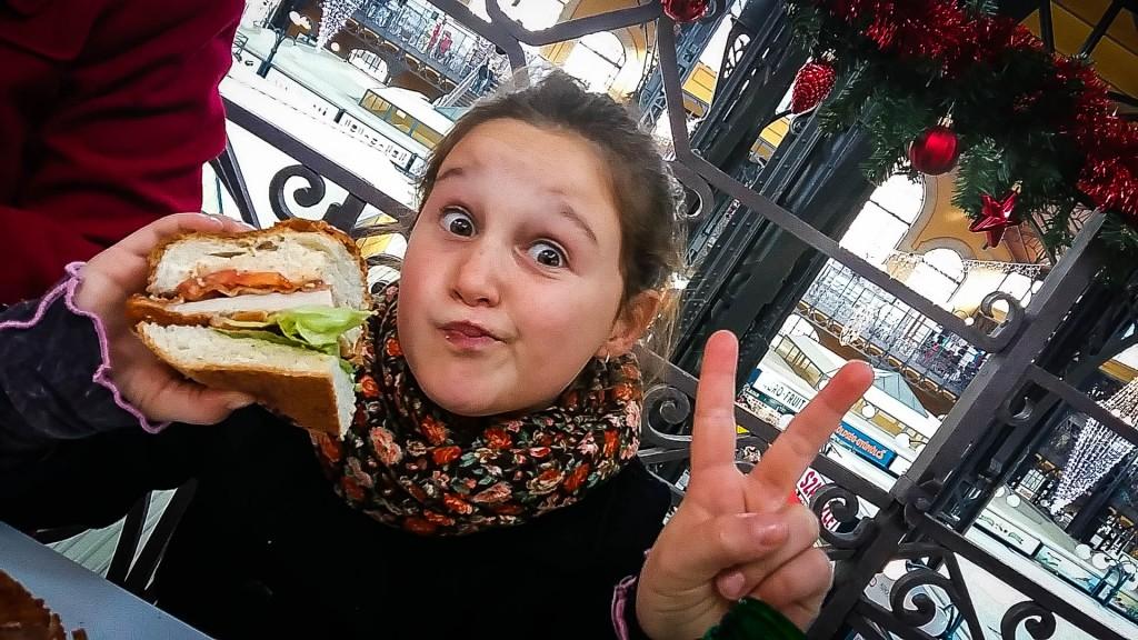 Angelina eats Budapest