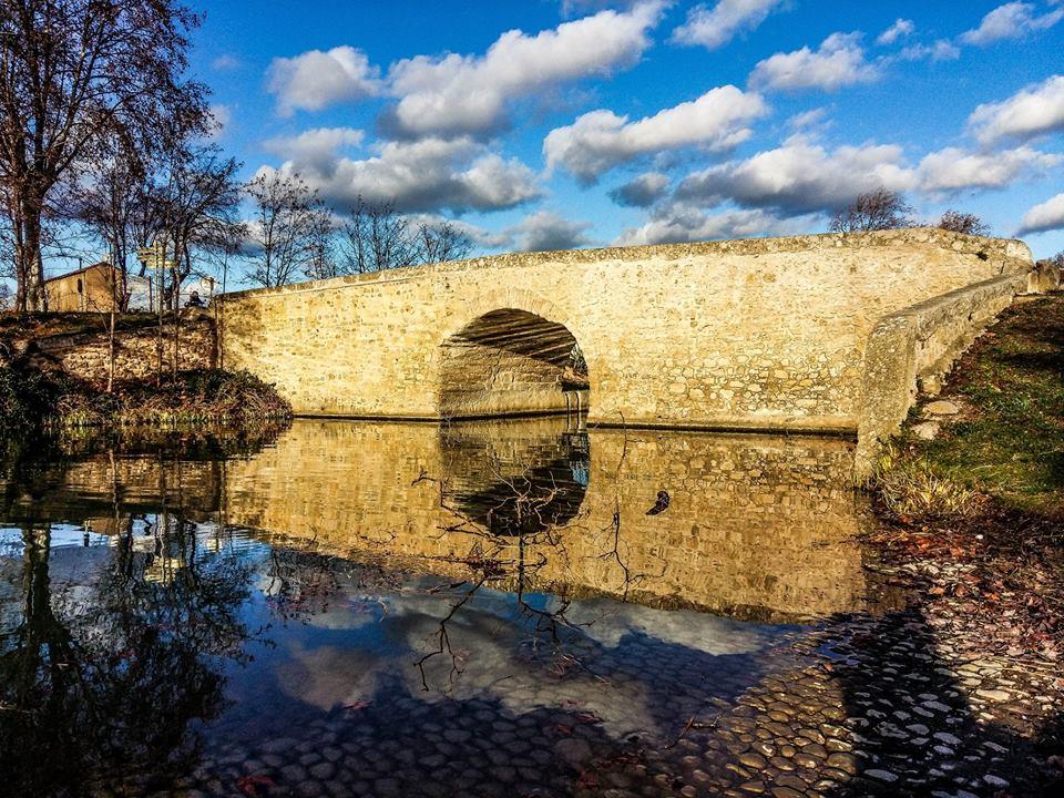 winter stone bridge capestang