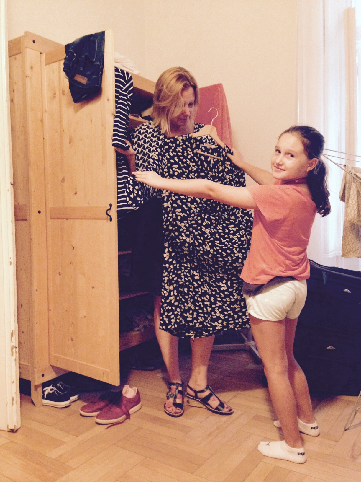 Hamori daughter Angelina helps at home